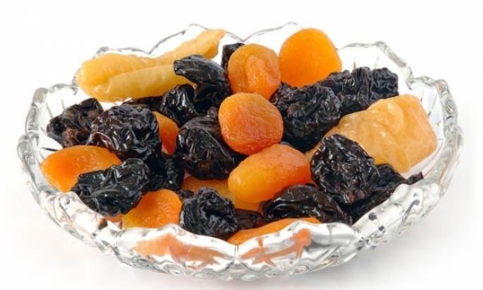 Suvo voće u zdeli