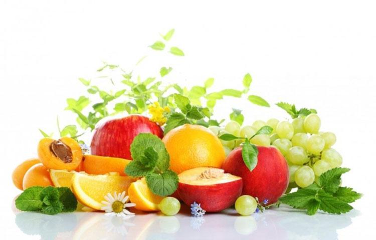 Voće i povrće na stolu