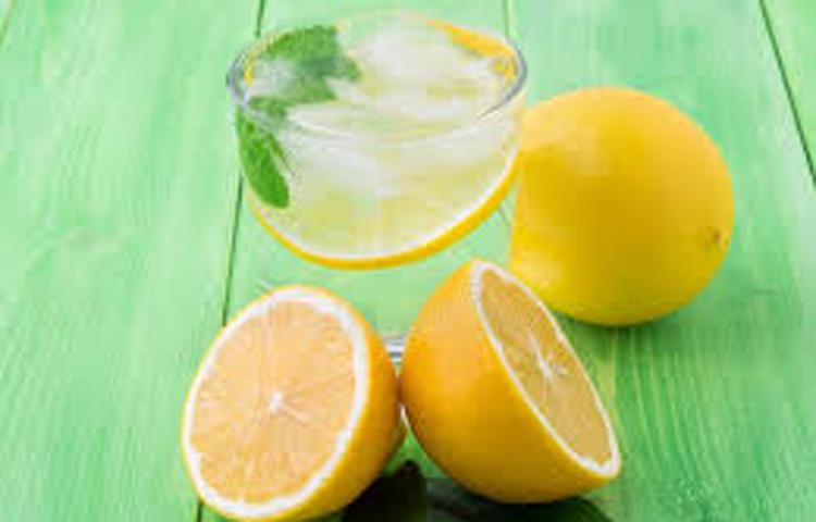 Limunovi na stolu